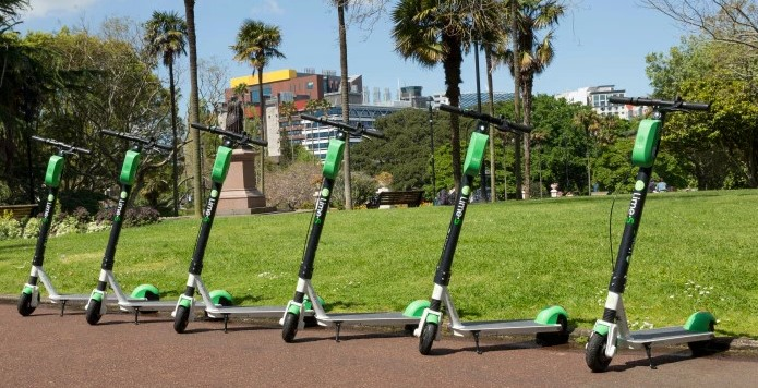 Is using an e scooter better than public transport in Melbourne